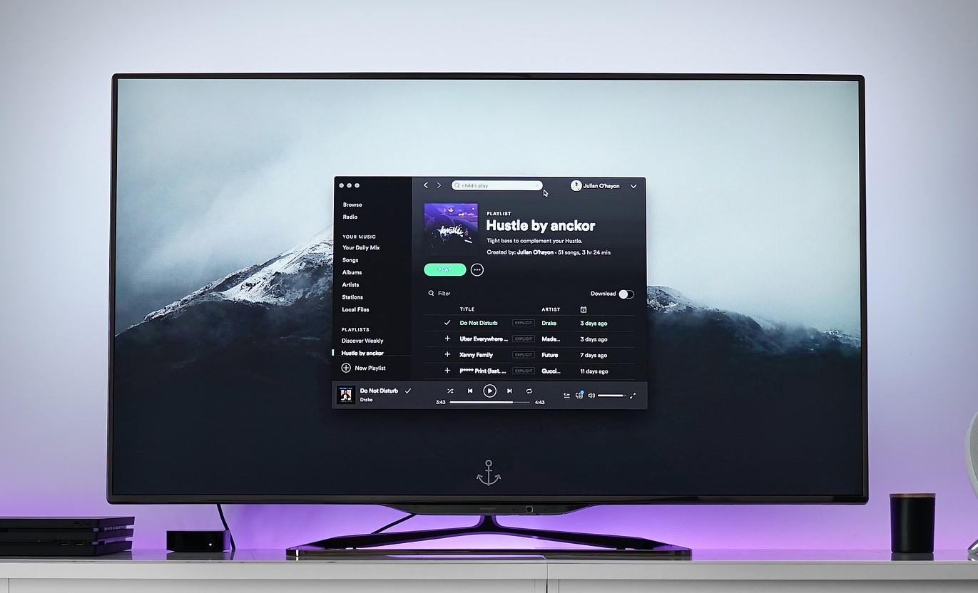 Smart TV mit Streaming Dienst