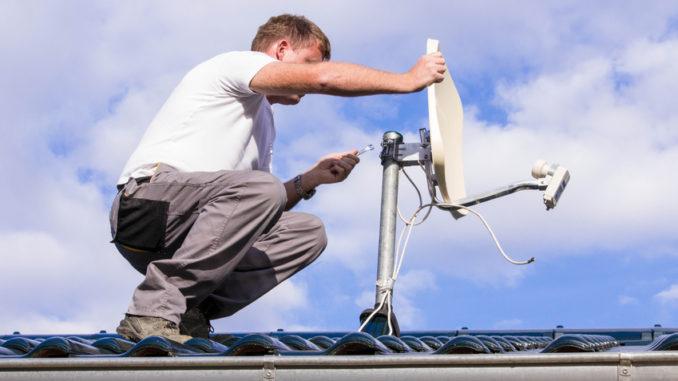 Satellitenschüssel installieren und ausrichten